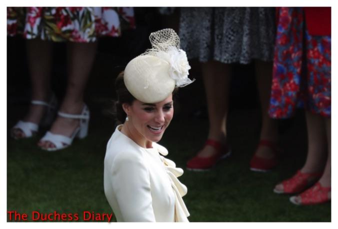 duchess of cambridge hat cream alexander mcqueen coat buckingham palace garden party