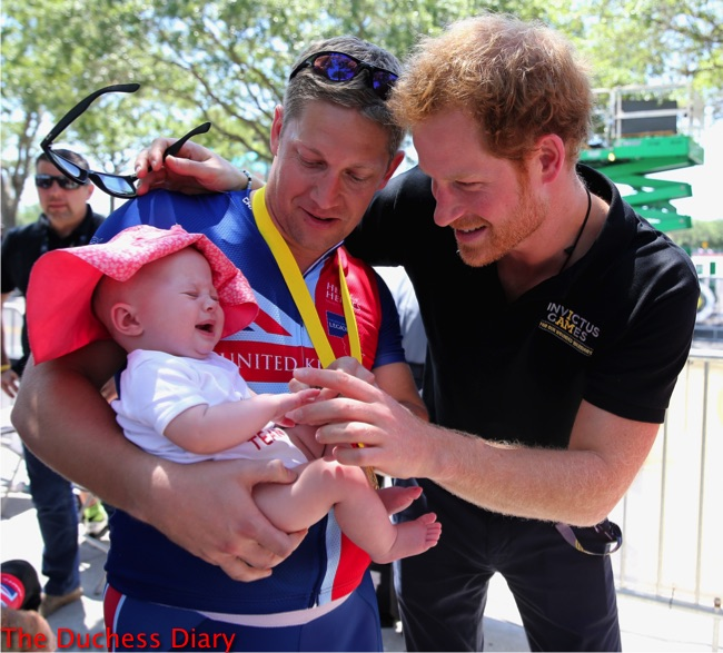 prince harry meets baby pippa invictus games