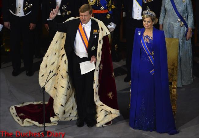 king willem alexander oath netherlands inauguration queen beatrix netherlands blue dress