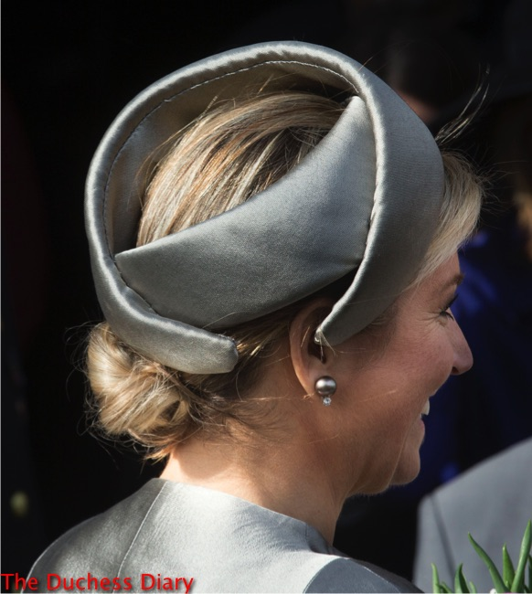 queen maxima back shot grey headband leerorkest learning orchestra