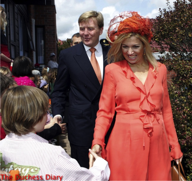 queen maxima king willem alexander say farewell new zealand orange outfit