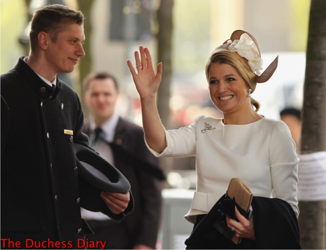 princess maxima arrives adlon hotel berlin waves