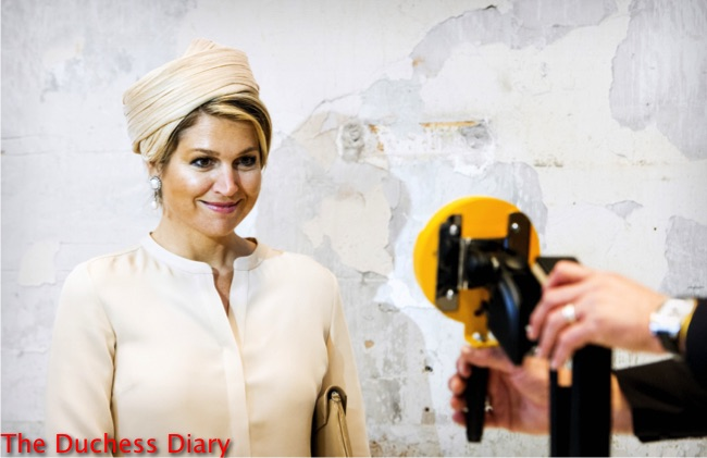 queen maxima smiles cream outfit cream hat blond hair Ulft.