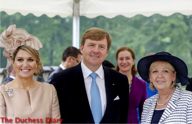 king willem alexander queen maxima pink hat museum schloss moyland