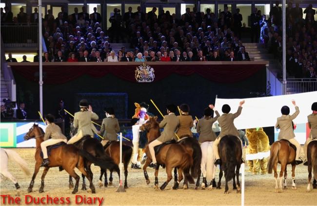 equestrians wave queen elizabeth second royal windsor horse show