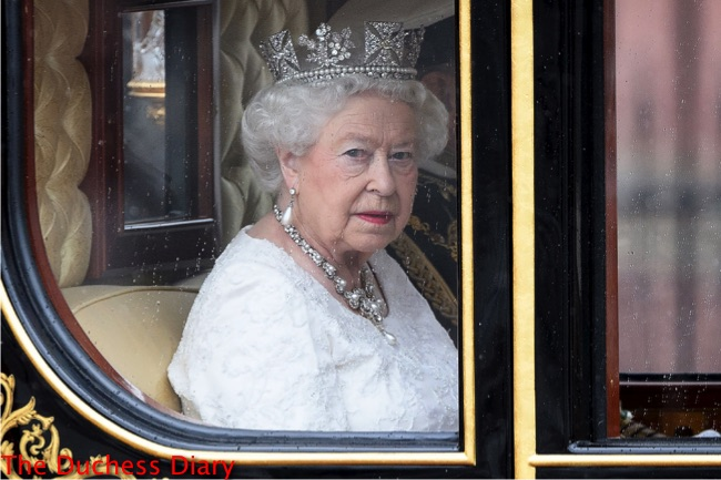 queen elizabeth wears george IV diadem travels house of parliament jubilee state coach