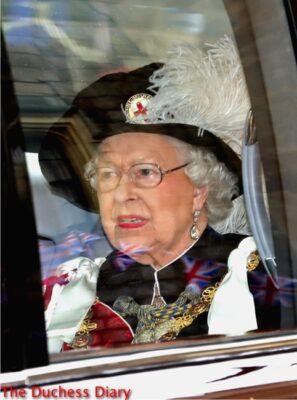 queen elizabeth arrives noble order garter service 2016 robes