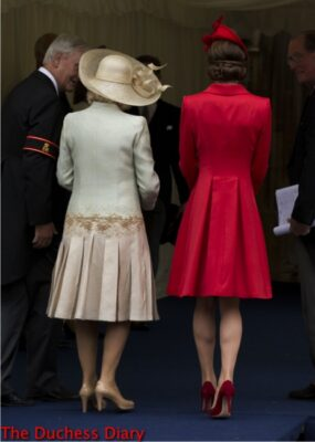 duchess cornwall duchess cambridge arrive 2016 order garter backs