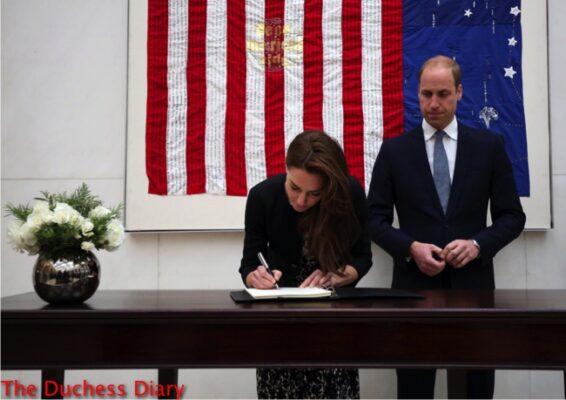 duchess of cambridge signs book condolence us embassy orlando shooting victims