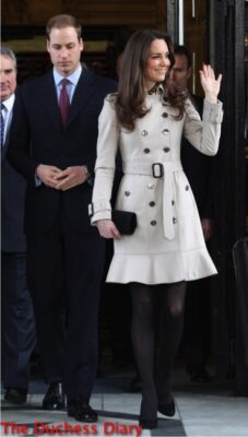 kate middleton waves city hall prince william belfast 2011