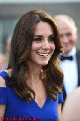 duchess of cambridge close up roland mouret gown kensington palace
