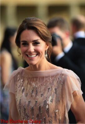 duchess cambridge smiles jenny packham gown drinks reception houghton hall