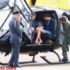 prince william duchess cambridge prince george sit inside squirrel helicopter raf raiford