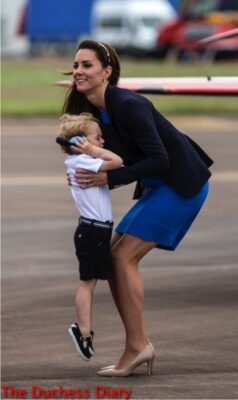 prince george melts down duchess cambridge picks him up raf fairford