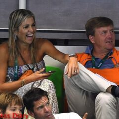 queen maxima laughs hand on king willem alexander knee mens swimming rio 2016 olymipcs