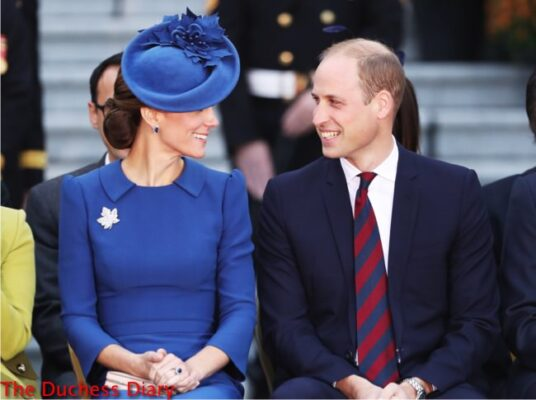duchess cambridge smiles prince william official welcome ceremony