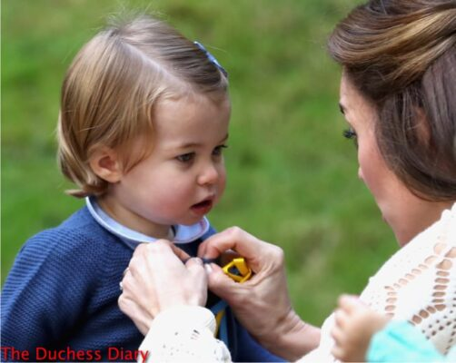 princess charlotte gets help duchess cambridge cardigan