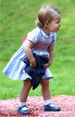 princess charlotte holds cardigan children's party canada