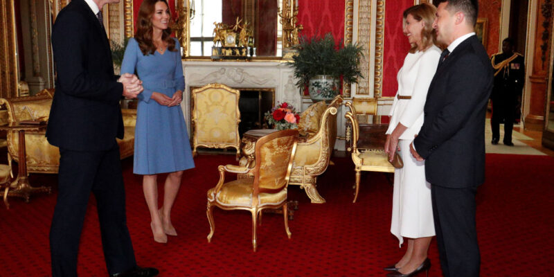William and Kate Welcome Ukraine's First Couple to Buckingham Palace